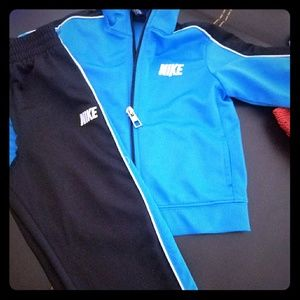 Nike 2 piece set 24mo blue n black